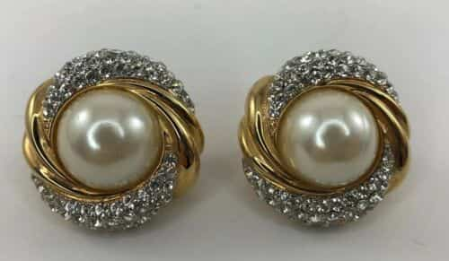 vintage-st-john-collection-clip-on-earrings-large-center-pearl-with-rhinestones