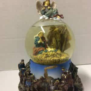 san-francisco-music-box-co-christmas-snow-globe-little-town-of-bethlehem