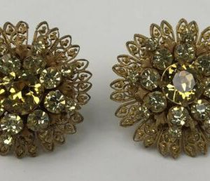 vintage-miriam-haskell-signed-flower-rhinestone-crystal-clip-on-earrings