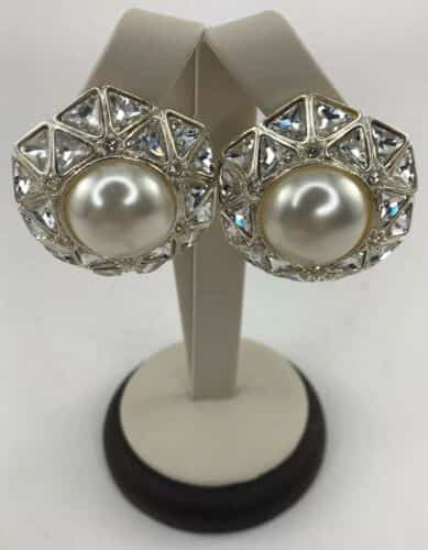 vintage-st-john-collection-clip-on-earrings-large-center-pearl-triangle-crystal