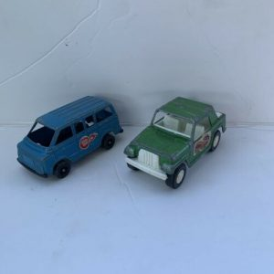old-vtg-antique-collectible-diecast-tootsietoy-toy-jeepster-and-cherry-bomb