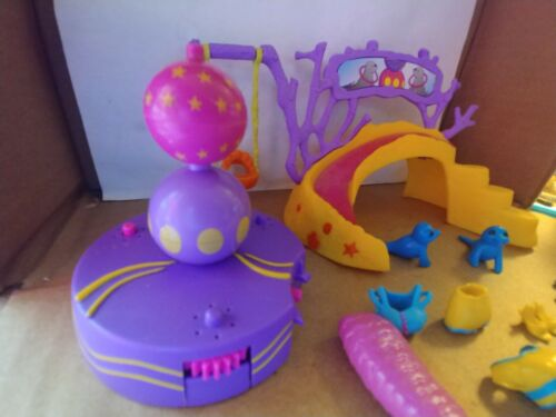 polly-pocket-mermaid-stars-kerstie-with-spinning-seals-no-doll-included