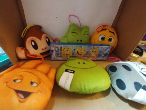 emojis-plush-pillow-toys-from-the-sony-pictures-movie-emoji-maze