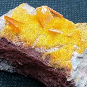 beautiful-wulfenite-mimetite-specimen