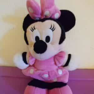 disney-junior-mickey-mouse-clubhouse-minnie-mouse-plush