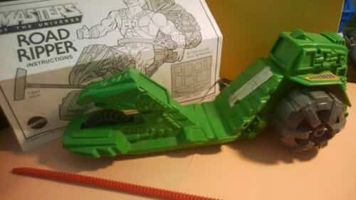masters-of-the-universe-road-ripper-with-instructions