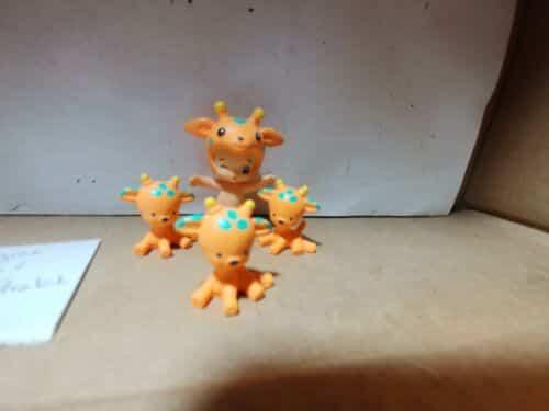 twozies-season-common-boy-orange-giraffe-lofty-stretch-babies