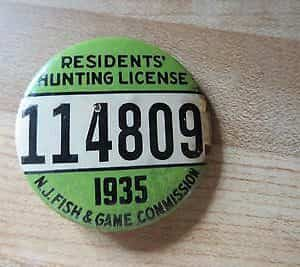 n-j-fishgame-commission-residents-hunting-license-pin-button