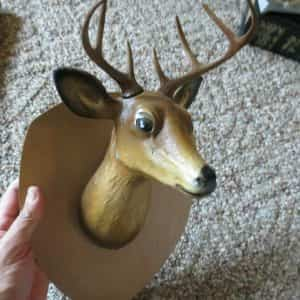 beautiful-point-whitetail-buck-deer-hand-painted-aluminum-wall-hanging