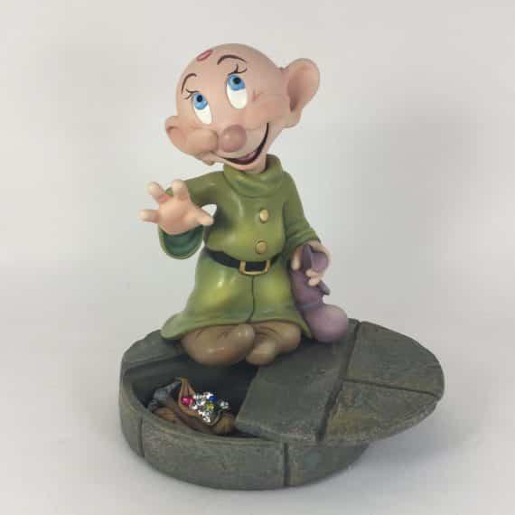 markrita-art-of-disney-dopey-secret-compartment-figurine