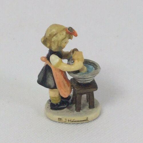 doll-bath-goebel-mi-hummel-miniature-p-in-box