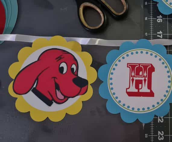 Clifford the Big Red Dog Happy Birthday Banner 5 inches high x 8 feet long