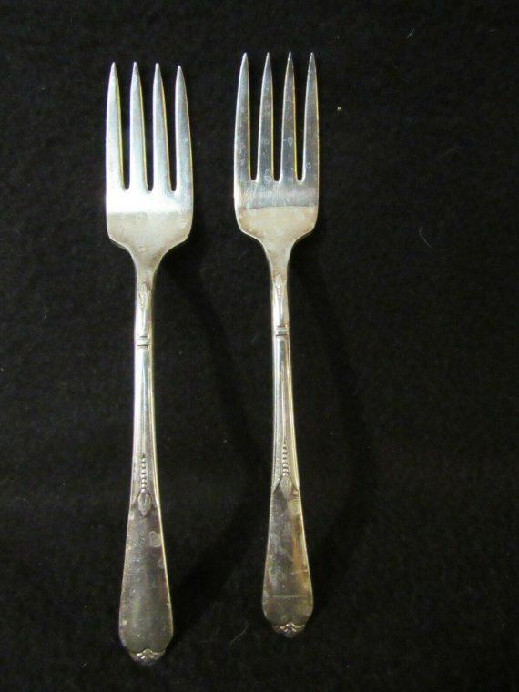 2 Salad Forks, Inspiration Silverplate   (2805)